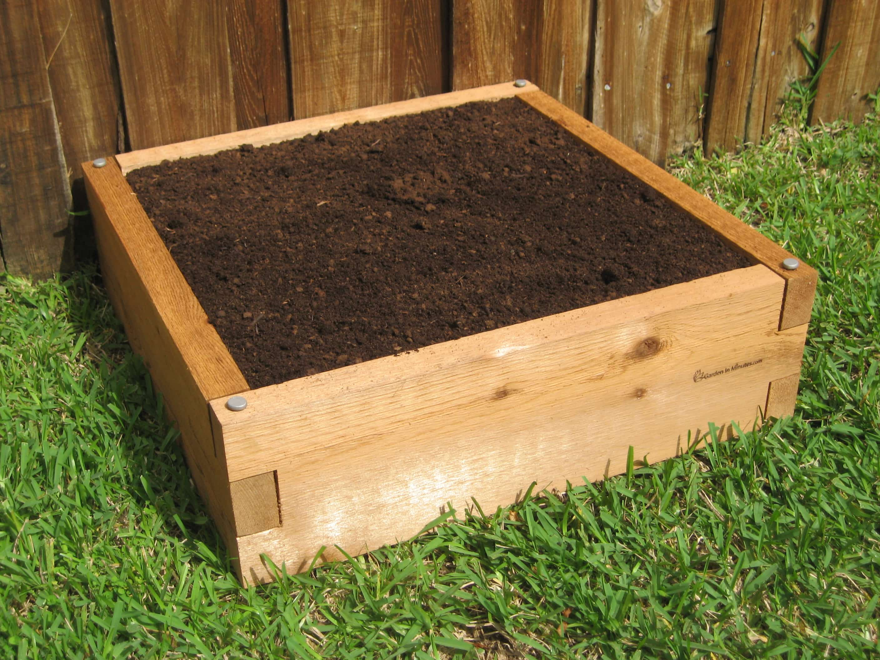 How to Build Raised Garden Beds: Raised Bed Gardening | The Old Farmer ...