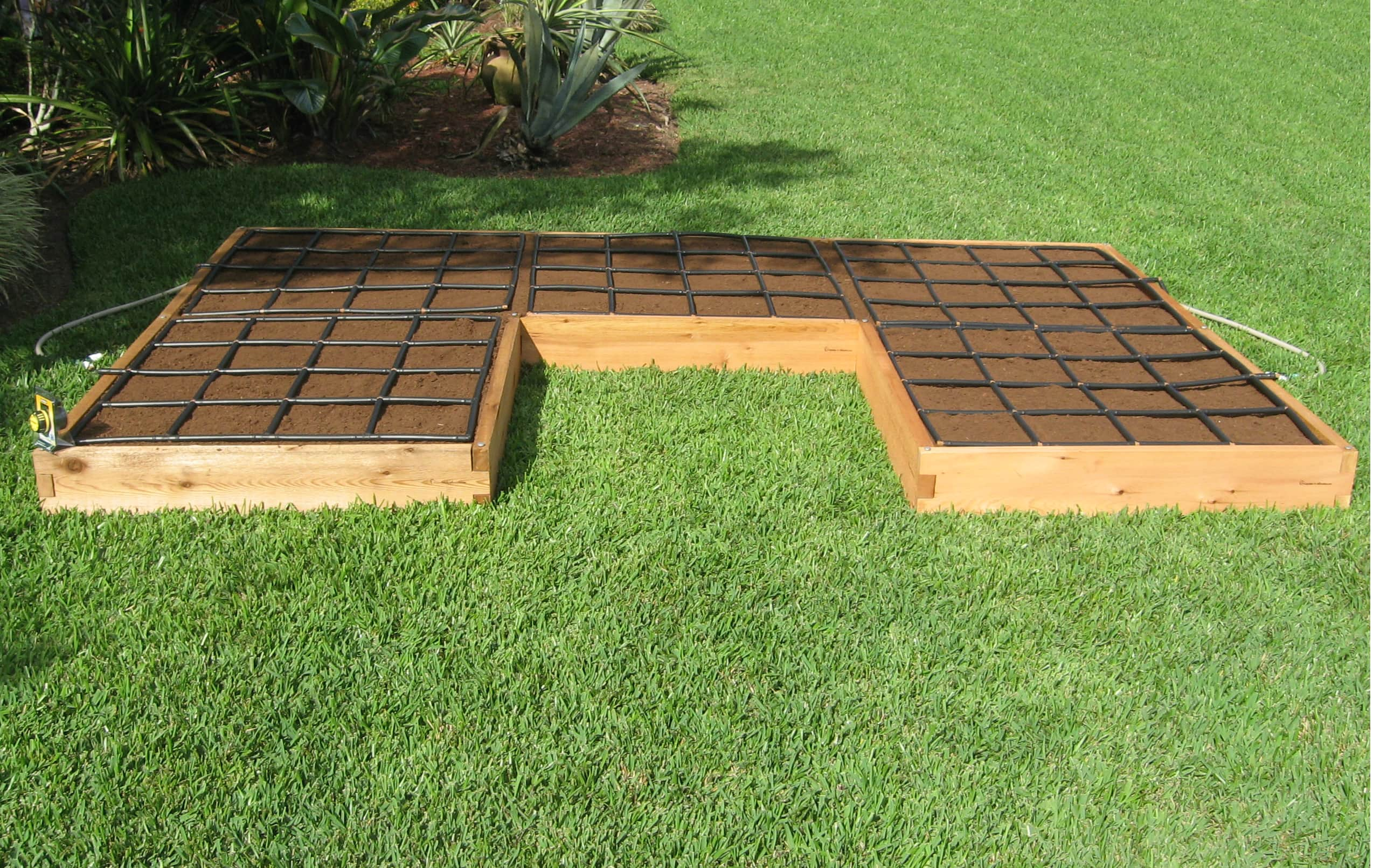 U Shaped Raised Garden Kit With Adjustable Watering System
