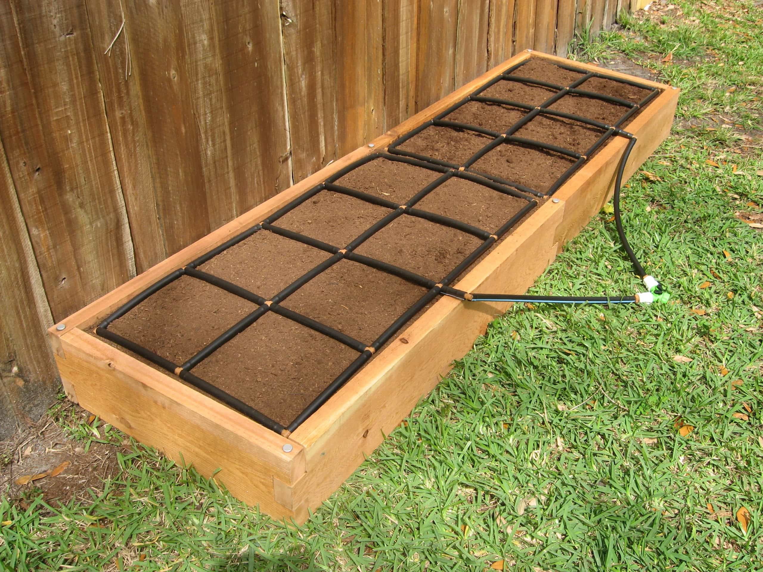 2x8 raised garden kit w watering system gardeninminutes for Garden design kits