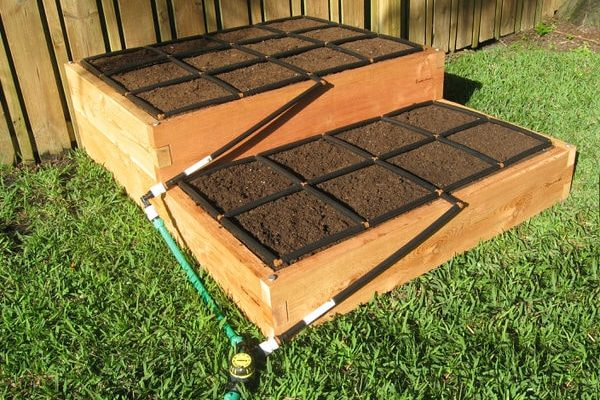 how to build a tiered raised garden